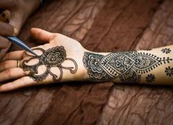 Mehendi W Warunkach Domowych Jak Zrobić Stylowy Tatuaż