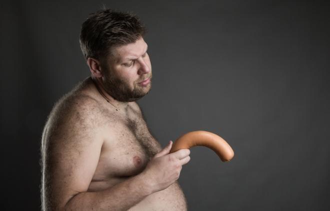 Powyginany kształt członka - nabyte skrzywienie penisa