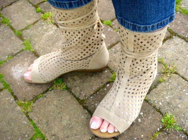Obuwie antytendencja: 10 modeli obuwia, które nosić jest już