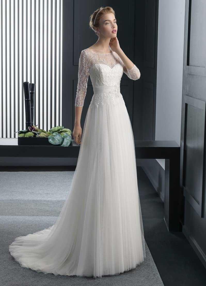 59aac8c0ae Suknie ślubne z zabudowanym dekoltem i długimi rękawami – delikatna ...